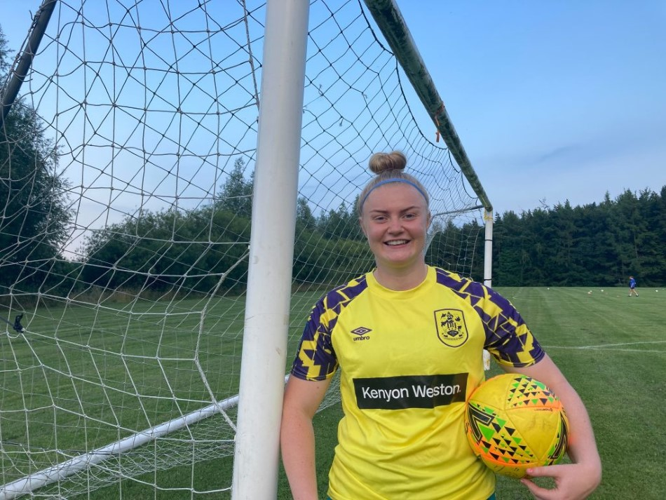 Goalkeeper Becky Flaherty Signs for Town